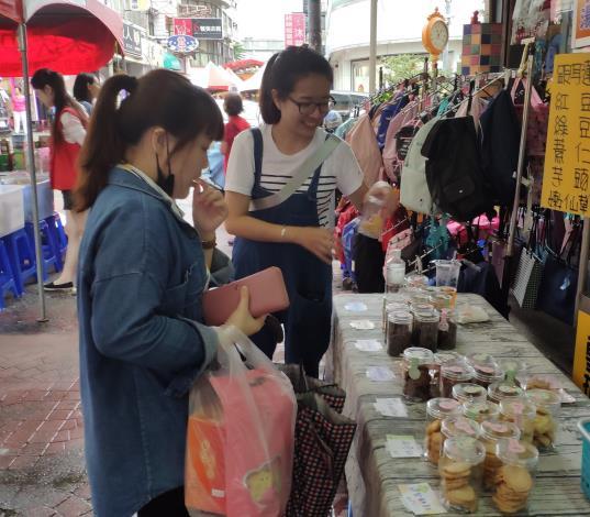 1090325勞動部勞動力發展署新聞稿(附照2)_寶媽咪手作烘培 實體販售。