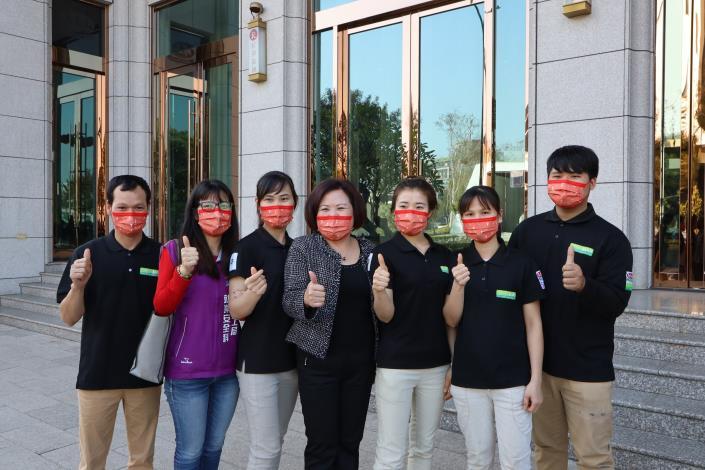附圖3_勞動部許銘春部長關懷馬玉山公司移工防疫情形。.JPG