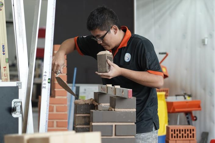Excellence-20-Bricklaying-張翔舜