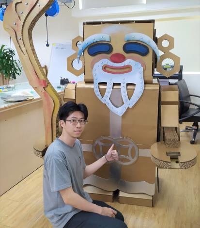 張宇文設計的大型裝置藝術作品「土地公」