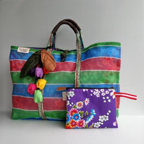 花蓮縣劉一峰神父天涯若比鄰文化藝術基金會製作的手工布包