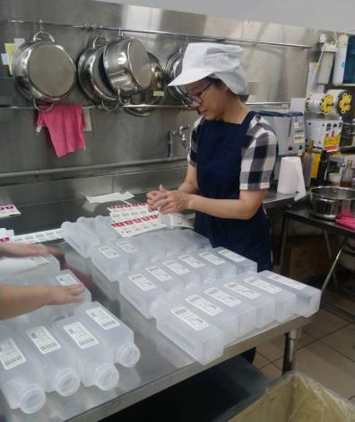 香香姊把握食品公司工作機會,再度開啟職涯路.JPG