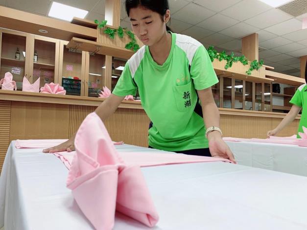 國中生參與校際競賽「餐飲服務」職類比賽