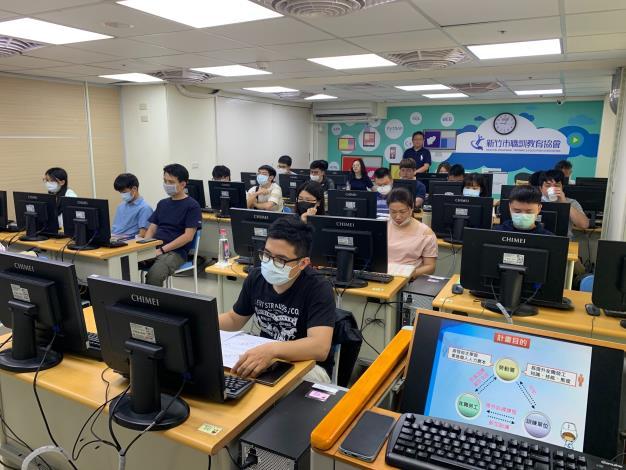 Python 基礎程式設計在職勞工進修實況