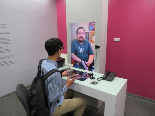賈桃樂學習主題館提供模擬面試體驗,幫助求職者未來能更加自信完面試。.JPG