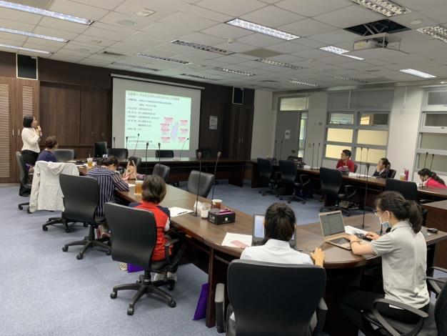 社團法人中華食品安全管制系統發展協會康家霓組長簡報分享