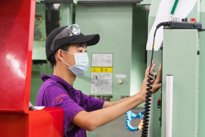 中分署依產業需求開設青年專班,協助青年提升實作能力