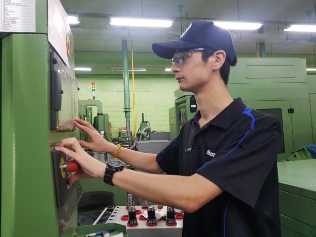 CNC銑床選手博淵把握時間加強練習1