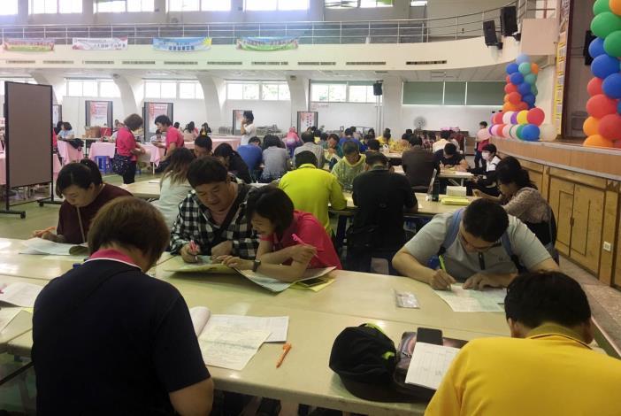 永康就業中心10月31日辦徵才,釋出超過1,600個職缺。圖為徵才活動畫面。