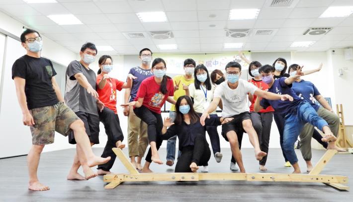 因應畢業求職潮,雲嘉南分署青年職涯發展中心4-6月將辦理超過60場次的職涯講座、職場參訪體驗、團體課程活動。.JPG