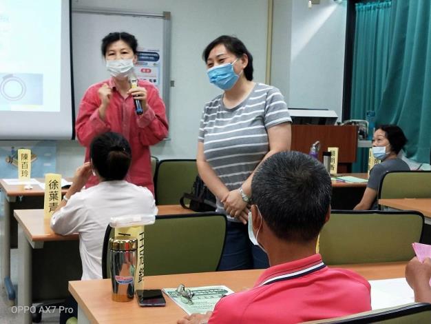 勞動部雲嘉南分署推出「銀髮人才職場重返研習班」系列課程,幫中高齡民眾強化求職自信心,為重返職場做準備。