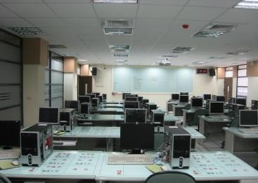 資訊類電腦教室