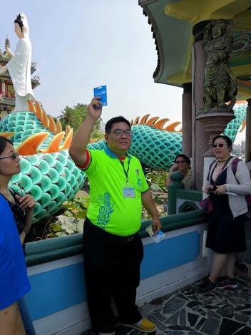 趙慶山滿意現在的生活,能藉工作到處看看,並認識許多朋友