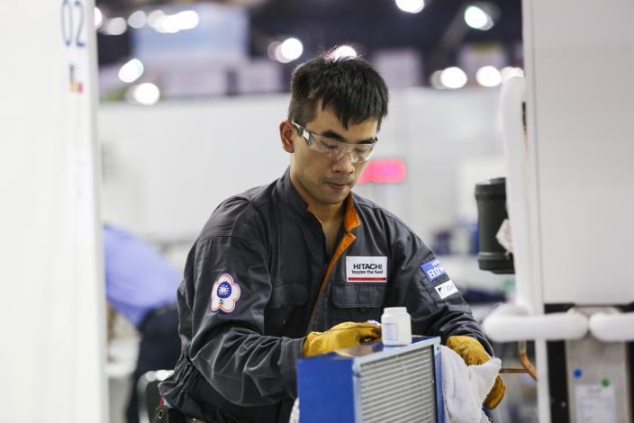 43屆-冷凍空調阮陪皓43WorldSkills CompetitionSkill 38- Refrigeration and Air Conditioning