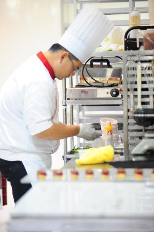 43屆-西點製作莊政霖43 WorldSkills CompetitionSkill 32 -Confectioner/Pastry Cook