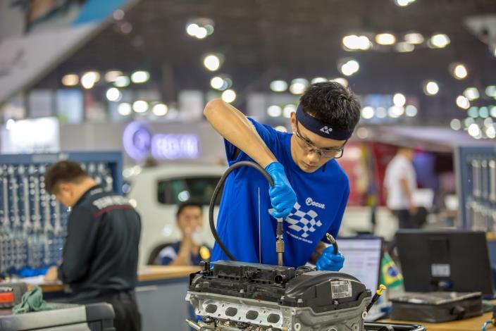 43屆-汽車技術曾品浩43 WorldSkills CompetitionSkill 33 - Automobile Technology