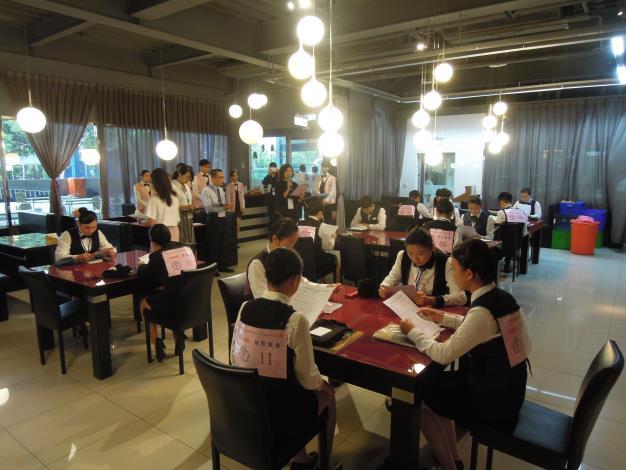餐飲服務2.JPG