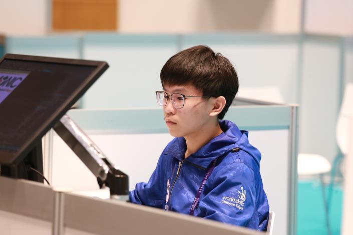 青少年組資訊技術(軟體設計)-金牌-葉柏亨